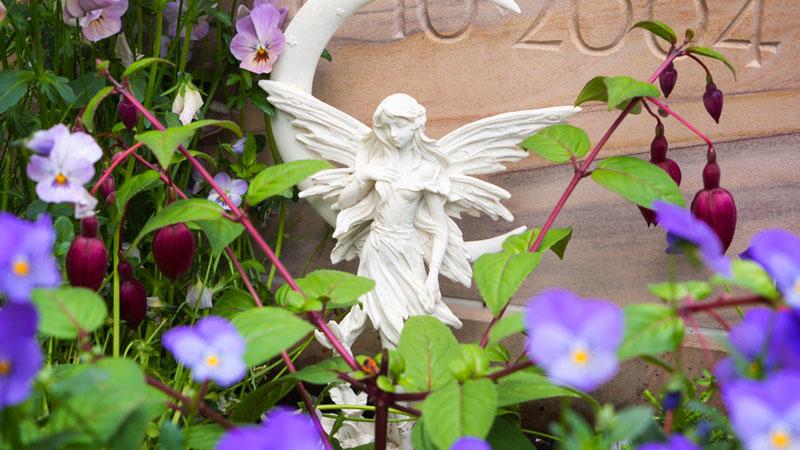 Bont Gartenbau Friedhof, Gräber